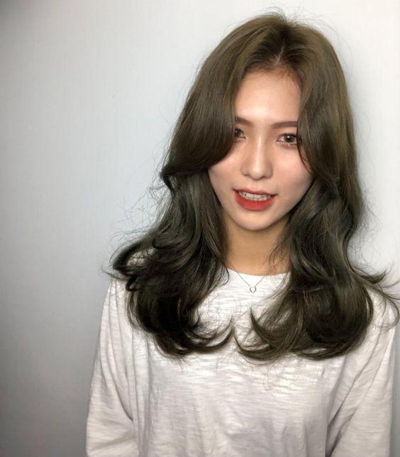 tóc uốn đẹp mà không bị già