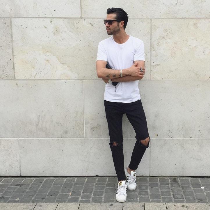 áo thun lệch với jean