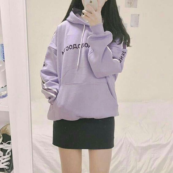 chân váy với ao hoodie